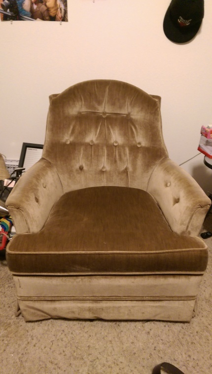 I would take this sofa chair with me if I could! It's comfortable and has a nice vintage feel. It does not have a recliner, but it swerves 360, including back and forth. Only $10!